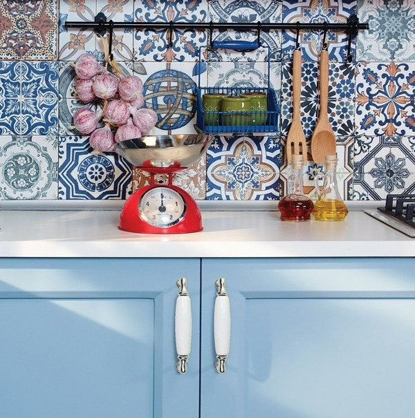 white porcelain italian handles in the kitchen
